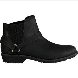 Teva De La Vina Dos Chelsea Boots. New in box